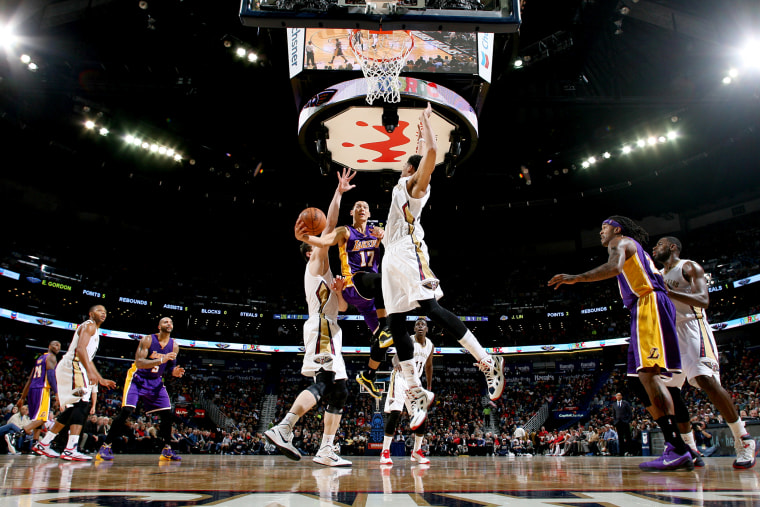 Jeremy Lin of the Los Angeles Lakers goes to the basket against the New Orleans Pelicans on Nov. 12, 2014 at the Smoothie King Center in New Orleans, La.