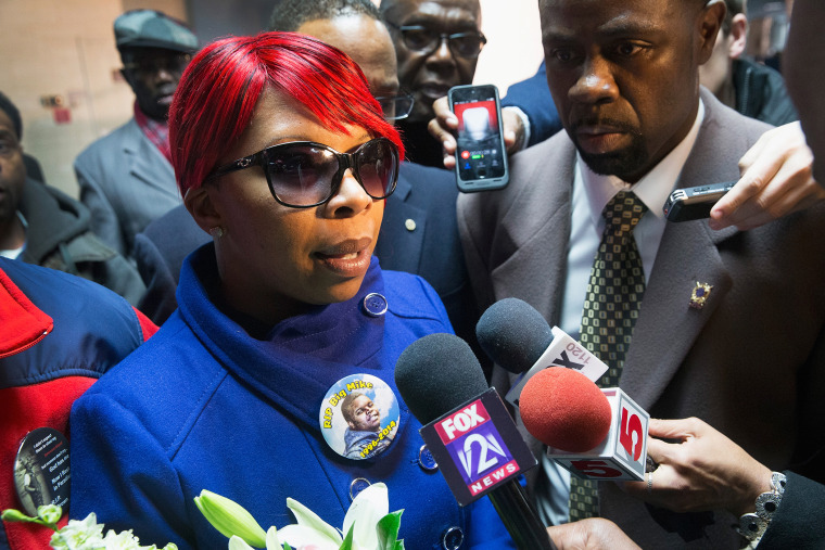 Lesley McSpadden, the mother of Michael Brown, speaks to the press after arriving back in the United States from Geneva, Switzerland where she addressed a United Nation's committee on torture on Nov. 14, 2014 in St. Louis, Mo. (Photo by Scott Olson/Getty)