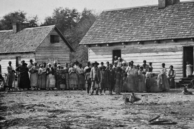 A group of slaves on a South Carolina plantation in 1962.