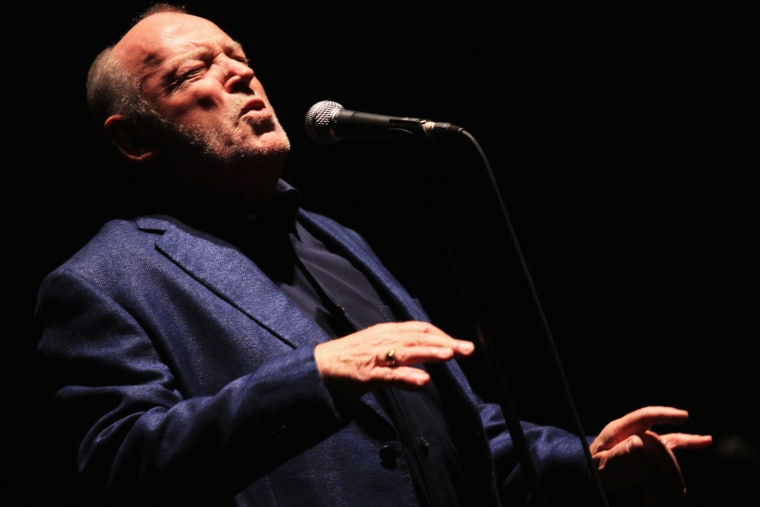 """Singer Joe Cocker performs during the \""""Hard Knocks Tour 2011\"""" at Auditorium Parco Della Musica on July 27, 2011 in Rome, Italy. (Photo by Ernesto Ruscio/Getty)"""