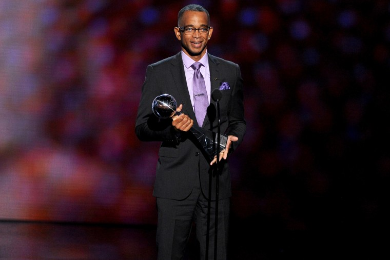 TV personality Stuart Scott accepts the 2014 Jimmy V Perseverance Award onstage during the 2014 ESPYS at Nokia Theatre L.A. in 2014.