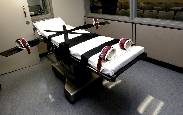 The gurney in the the execution chamber at the Oklahoma State Penitentiary in McAlester, Okla. (Photo by Sue Ogrocki/AP)
