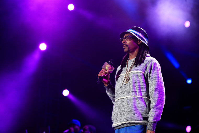 Recording artist Snoop Dogg performs onstage during an event on Jan. 30, 2015 in Glendale, Ariz. (Photo by Christopher Polk/Getty for DirecTV)