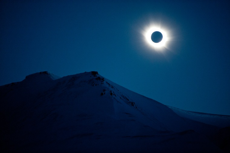 The total solar eclipse at Svalbard, Norway, on March 20, 2015. (Photo by Olav Jon Nesvold/EPA)