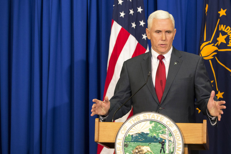 Governor Mike Pence (R-IN) holds a press conference March 31, 2015 at the Indiana State Library in Indianapolis, Ind. (Photo by Aaron P. Bernstein/Getty)