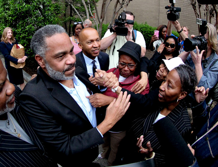 Anthony Ray Hinton is greeted by family outside the Jefferson County Jail in Birmingham, Ala. April 3, 2015. (Photo by Marvin Gentry/Reuters)