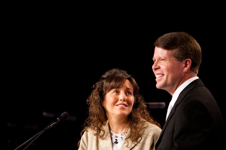 """Michelle Duggar and Jim Bob Duggar of The Learning Channel TV show \""""19 Kids and Counting\"""" speak at the Values Voter Summit on Sept. 17, 2010 in Washington, DC. (Brendan Hoffman/Getty)"""