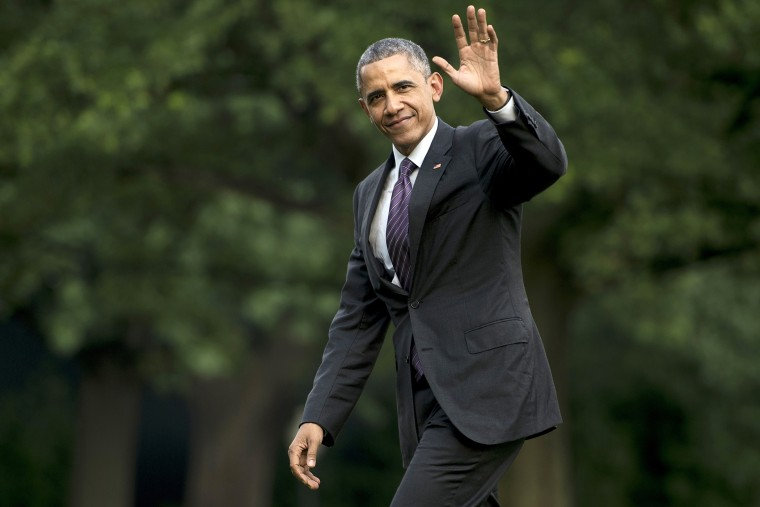 US President Barack Obama walks from Marine One to the White House on July 1, 2015 in Washington, D.C. (Photo by Brendan Smialowski/AFP/Getty)