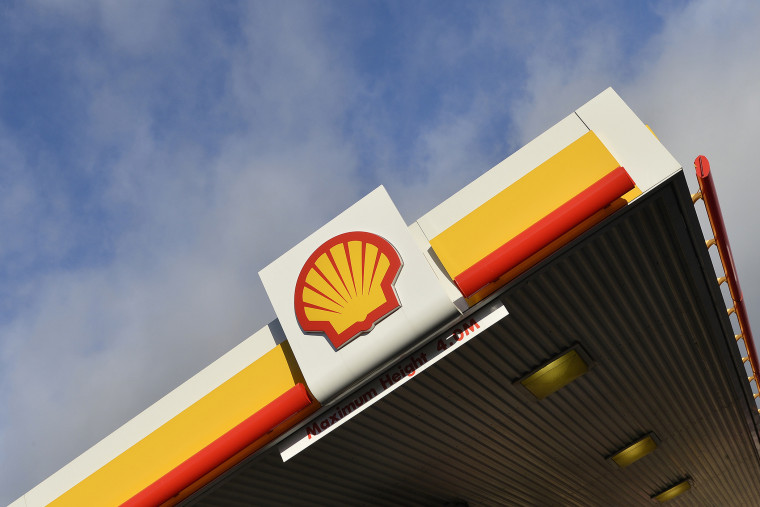 The Shell logo is seen at an oil station in west London, Jan. 29, 2015. (Photo by Toby Melville/Reuters)