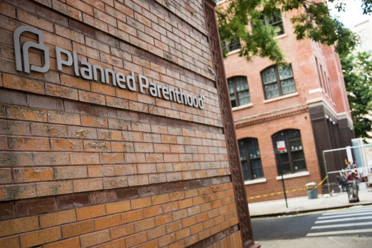 A Planned Parenthood location is seen on Aug. 5, 2015 in New York City. (Photo by Andrew Burton/Getty)