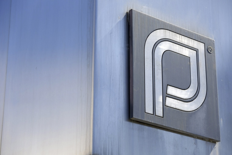 The Planned Parenthood logo is pictured outside a clinic in Boston, Mass. on June 27, 2014. (Photo by Dominick Reuter/Reuters)
