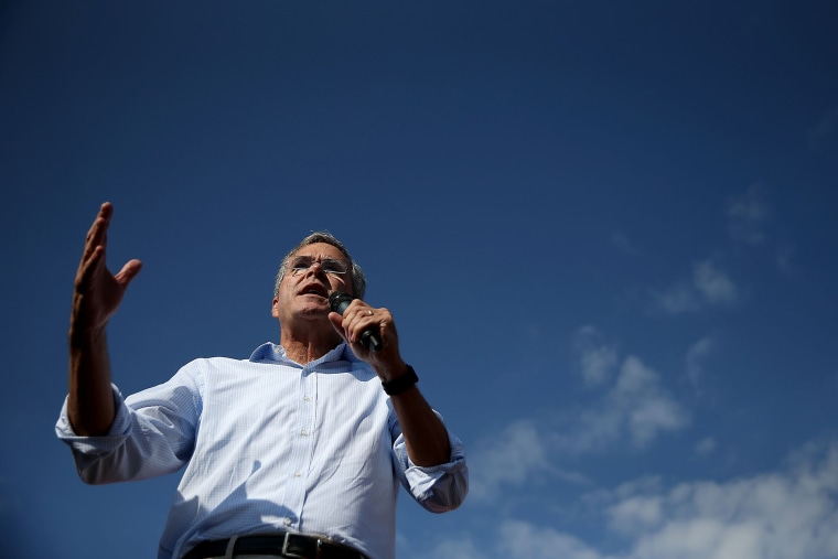 Republican presidential hopeful and former Florida Gov. Jeb Bush speaks to fairgoers during the Iowa State Fair on August 14, 2015 in Des Moines, Iowa. (Photo by Justin Sullivan/Getty)