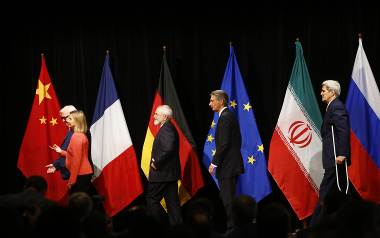German, Iranian, British and American diplomats, Frank Walter Steinmeier, Federica Mogherini, Mohammad Javad Zarif, Philip Hammond and John Kerry (L-R) after the last plenary session in Vienna, Austria July 14, 2015. (Photo by Leonhard Foeger/Reuters)