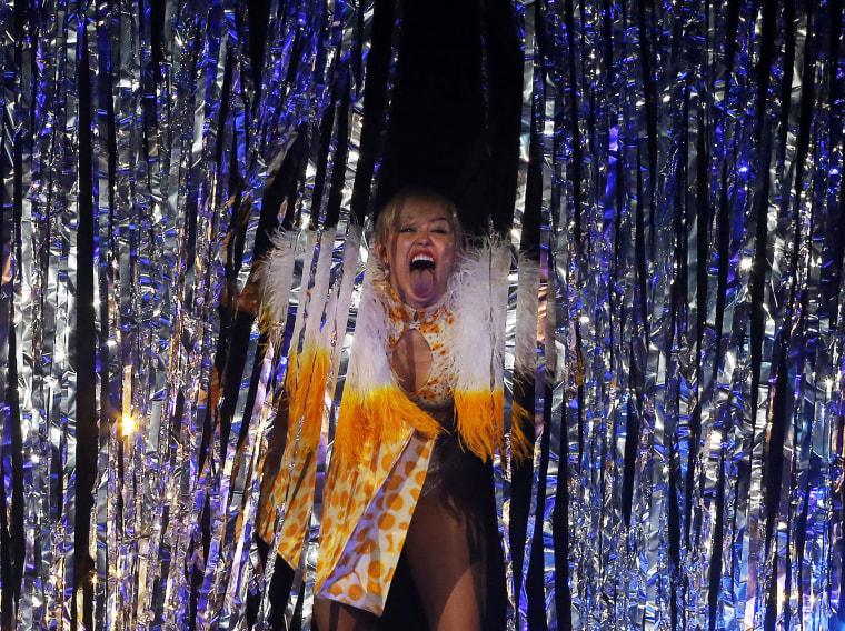 Singer Miley Cyrus performs at the Arena Ciudad de Mexico in Mexico City, Sep. 19, 2014. (Photo by Bernardo Montoya/Reuters)