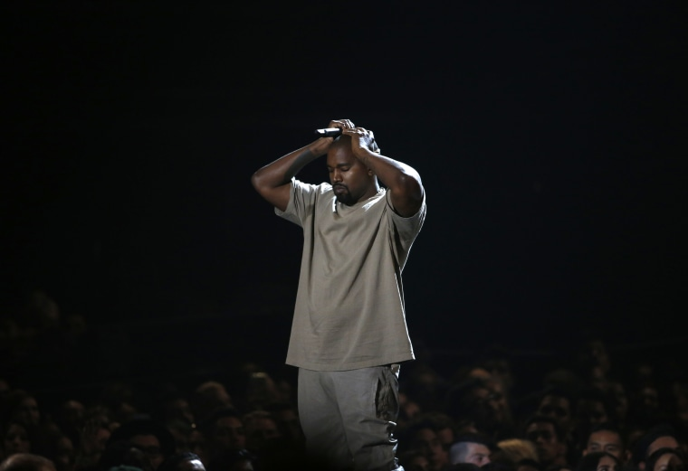 Kanye West pauses as he speaks while accepting the Video Vanguard Award at the 2015 MTV Video Music Awards in Los Angeles, California, August 30, 2015. (Photo by Mario Anzuoni/Reuters)