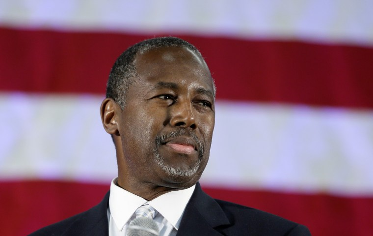 Republican presidential candidate and retired neurosurgeon Ben Carson addresses supporters at Spring Arbor University in Spring Arbor, Mich., Sept. 23, 2015. (Photo by Carlos Osorio/AP)