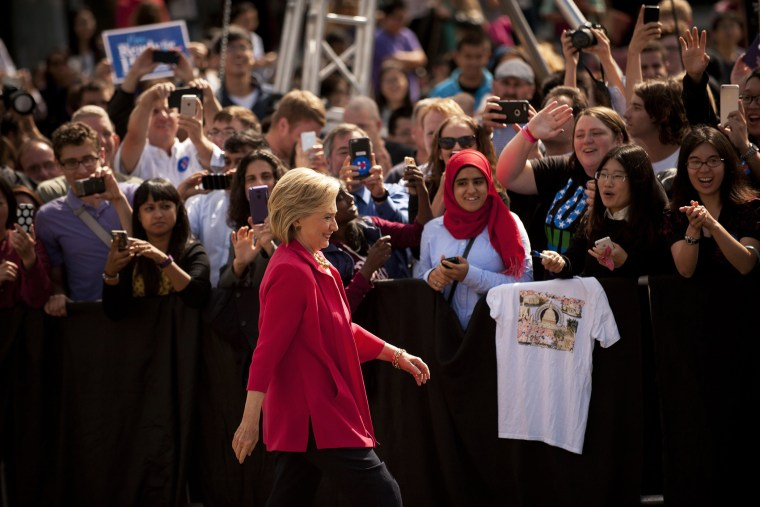 Democratic presidential candidate and former U.S. Secretary of State Hillary Clinton speaks to guests gathered for a campaign meeting on the campus of Case Western Reserve University on Aug. 27, 2015 in Cleveland, Ohio. (Photo by Jeff Swensen/Getty)