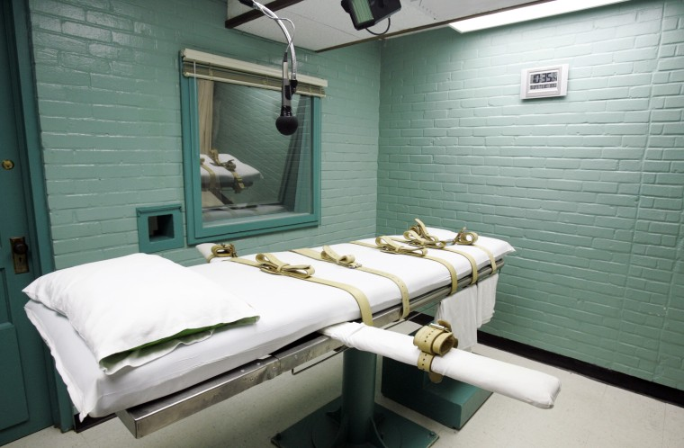 "The gurney in a ""death chamber"" is shown in this May 27, 2008 file photo. (Photo by Pat Sullivan/AP)"