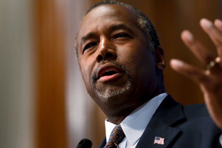 U.S. Republican candidate Dr. Ben Carson speaks at the National Press Club in Washington, Oct. 9, 2015. (Photo by Jonathan Ernst/Reuters)