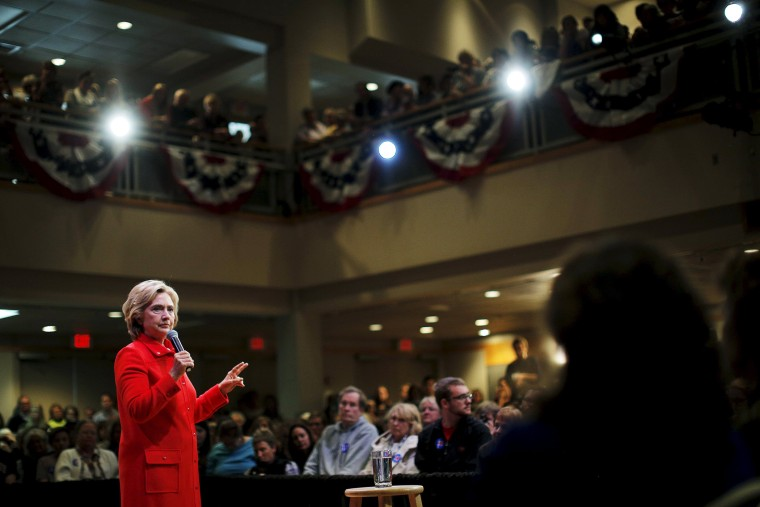 U.S. Democratic presidential candidate Hillary Clinton speaks at a campaign town hall meeting in Keene, N.H., Oct. 16, 2015. (Photo by Brian Snyder/Reuters)
