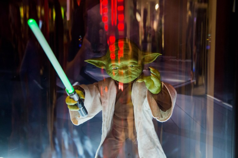 """A new Yoda toy is displayed ahead of the """"Force Friday"""" event at a Toys R Us Inc. Store in New York, Sep. 3, 2015. (Photo by Michael Nagle/Bloomberg/Getty)"""