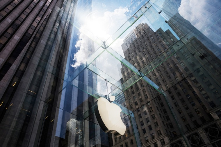 The Apple logo hangs on the Apple Store on Fifth Avenue on Aug. 5, 2015 in New York, N.Y. (Photo by Andrew Burton/Getty)