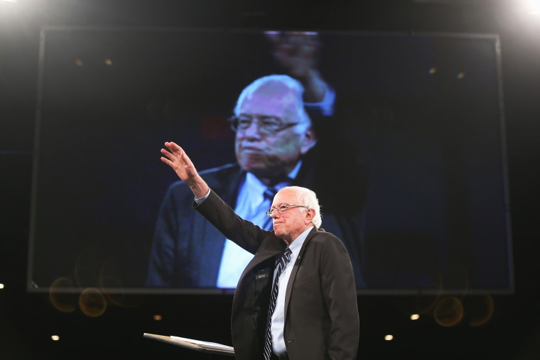 Democratic presidential candidate Senator Bernie Sanders (I-VT) speaks to guests at the Jefferson-Jackson Dinner on Oct. 24, 2015 in Des Moines, Iowa. (Photo by Scott Olson/Getty)