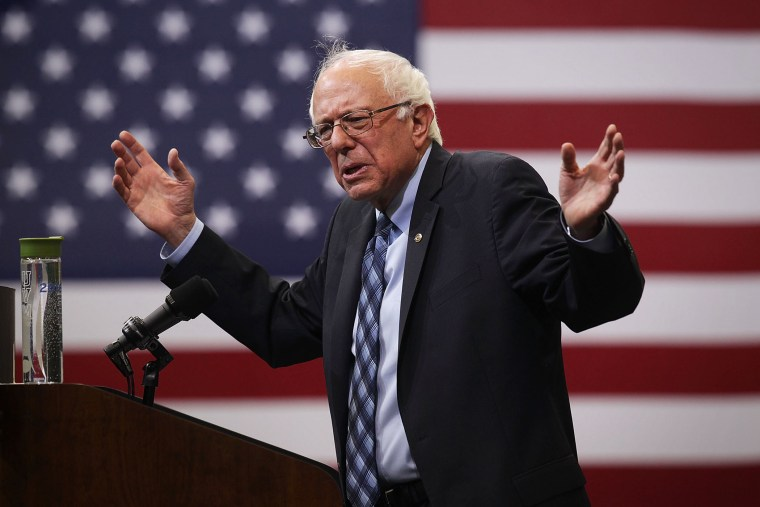 """Democratic presidential candidate and U.S. Sen. Bernie Sanders (I-VT) speaks during a """"National Student Town Hall"""" at George Mason University Oct. 28, 2015 in Fairfax, Va. (Photo by Alex Wong/Getty)"""