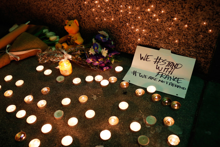 A makeshift memorial honoring the victims of the terror attack in Paris is seen outside the Consulate General of France in San Francisco, Calif., Nov. 13, 2015. (Photo by Stephen Lam/Reuters)