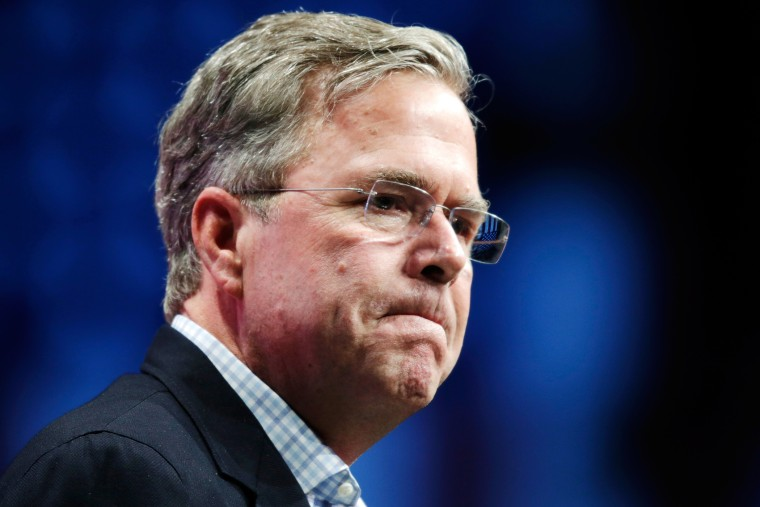 """U.S. Republican presidential candidate Jeb Bush speaks at the Republican Party of Florida's """"Sunshine Summit"""" in Orlando, Fla., Nov. 13, 2015. (Photo by Kevin Kolczynski/Reuters)"""
