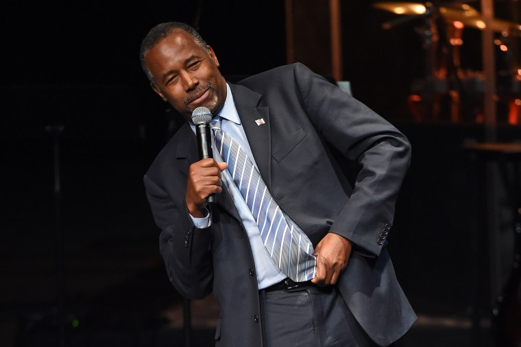Republican presidential candidate Ben Carson describes how he tried to stab someone when he was a youth as he speaks at the International Church of Las Vegas on Nov. 15, 2015 in Las Vegas, Nev. (Photo by Ethan Miller/Getty)