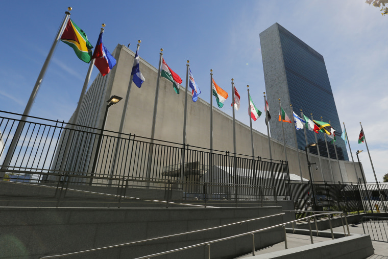 United Nations Headquarters' General Assembly Building and Secretariat Building in New York City, USA, Sept. 24, 2015. (Photo by Matt Campbell/EPA)