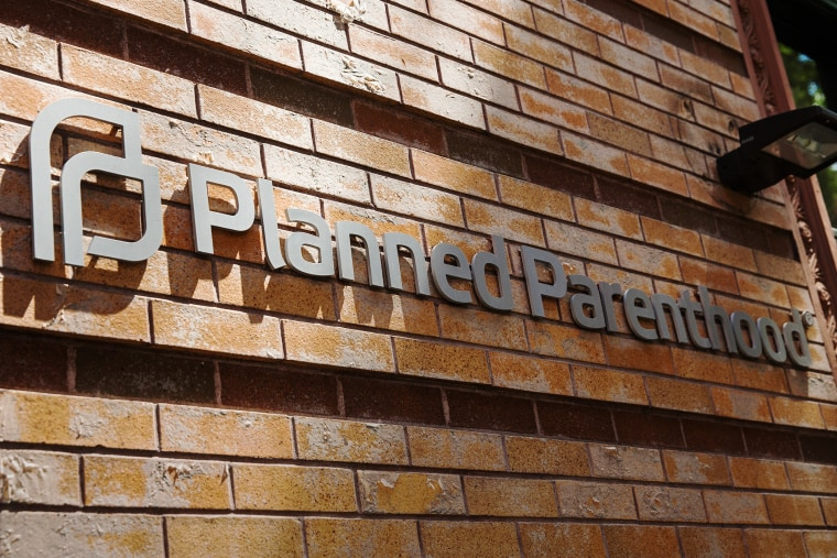 A Planned Parenthood location is seen on August 5, 2015. (Photo by Andrew Burton/Getty)