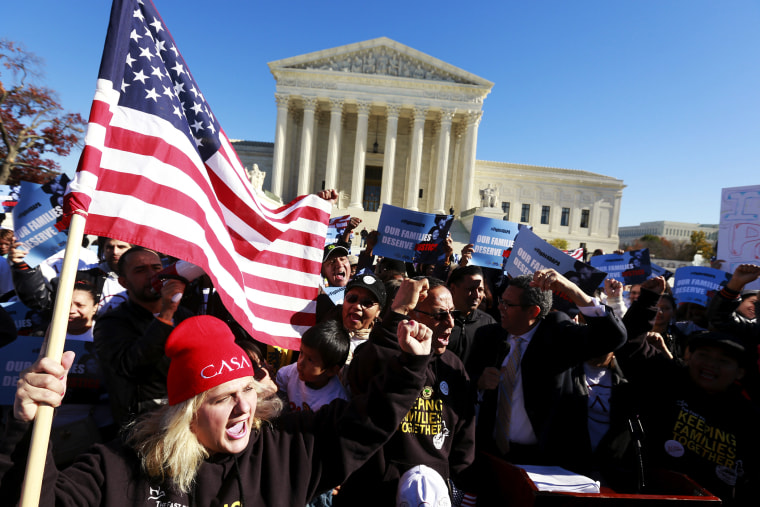 Immigrants and community leaders rally in front of the U.S. Supreme Court to mark the one-year anniversary of President Barack Obama's executive orders on immigration in Washington, Nov. 20, 2015. (Photo by Kevin Lamarque/Reuters)