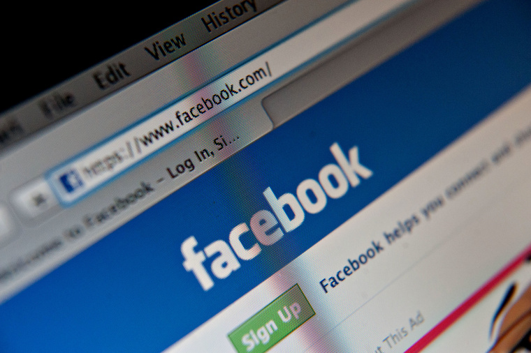A Facebook Inc. logo is displayed at the top of the login page for facebook.com on a computer screen. (Photo by Daniel Acker/Bloomberg/Getty)