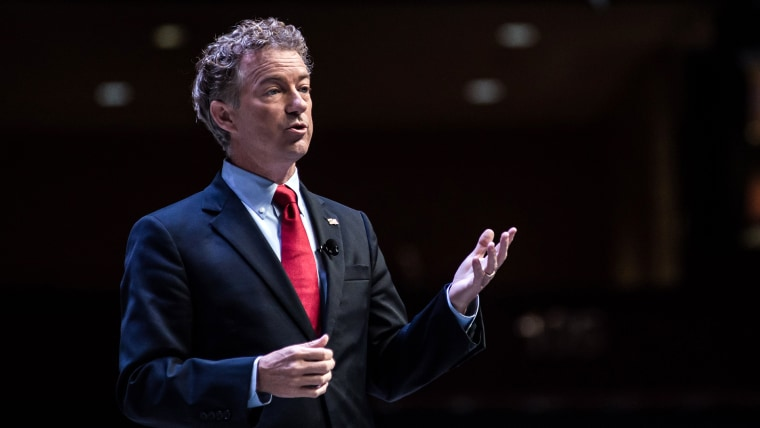 Sen. Rand Paul (R-KY) speaks to voters on Sept. 18, 2015 in Greenville, S.C. (Photo by Sean Rayford/Getty)