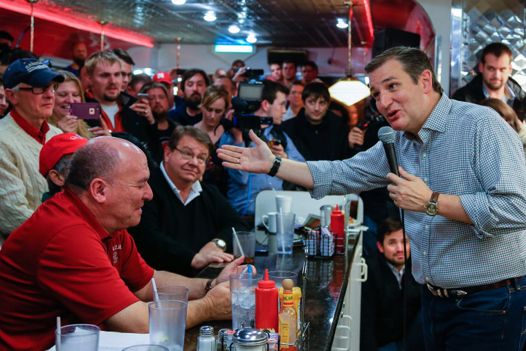 Republican Presidential candidate Sen. Ted Cruz, R-Texas campaigns at Penny's Diner in Missouri Valley, Iowa, Jan. 4, 2016. (Photo by Nati Harnik/AP)