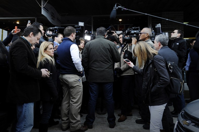 U.S. Republican presidential candidate Ted Cruz (R-TX) speaks to the media at a campaign stop at Union Jack's Grill in Rock Rapids, Iowa, Jan. 6, 2016. (Photo by Mark Kauzlarich/Reuters)