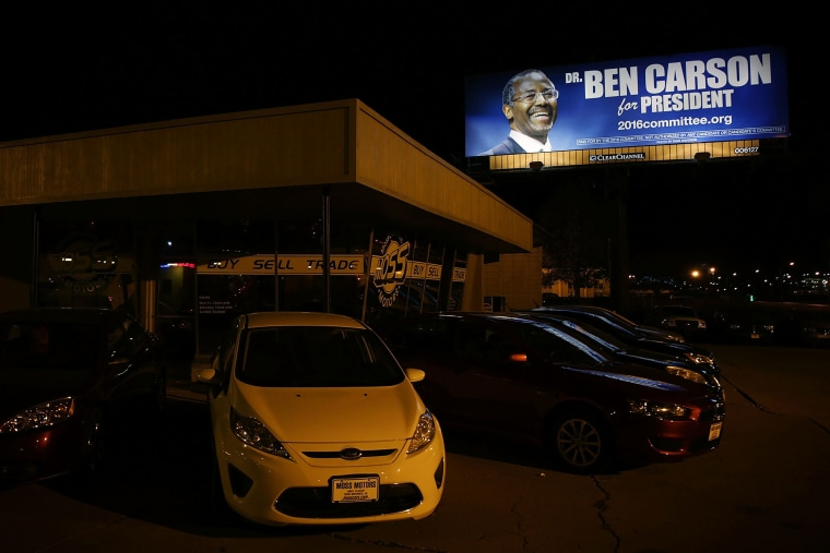 A Ben Carson campaign billboard is seen in Des Moines, Iowa, Nov. 15, 2015. (Photo by Alex Wong/Getty)