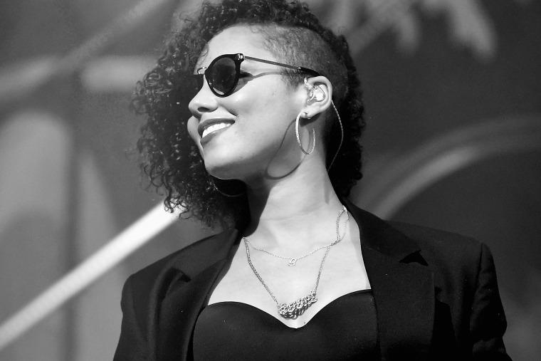Singer Alicia Keys performs onstage on Dec. 3, 2015 in Miami, Fla. (Photo by Frazer Harrison/Bacardi/Getty)