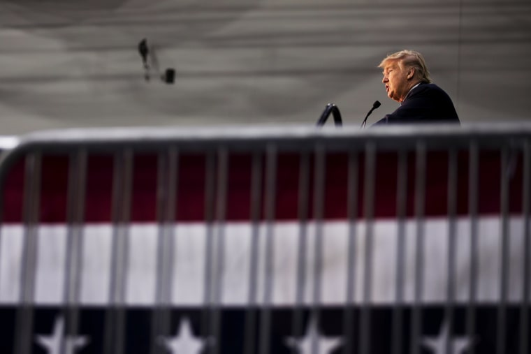 Republican presidential candidate Donald Trump speaks during a campaign event at Plymouth State University, Feb. 7, 2016, in Plymouth, N.H. (Photo by David Goldman/AP)