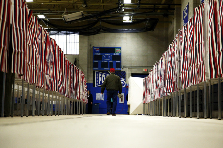 People vote at a polling place at Merrimack High School in Merrimack, N.H., on Feb. 9, 2016. (Photo by Eric Thayer/Reuters)