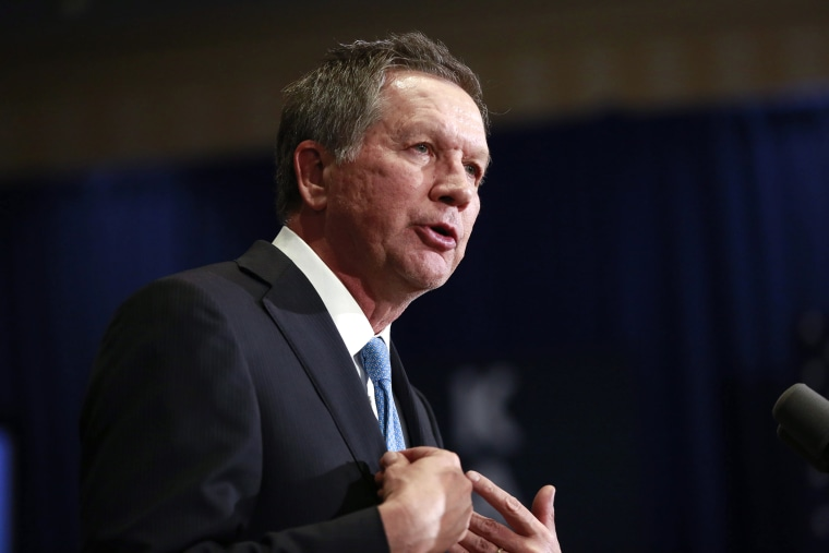 Republican presidential candidate and Ohio Governor John Kasich speaks to supporters in Concord, N.H., on Feb. 9, 2016. (Photo by Katherine Taylor/EPA)