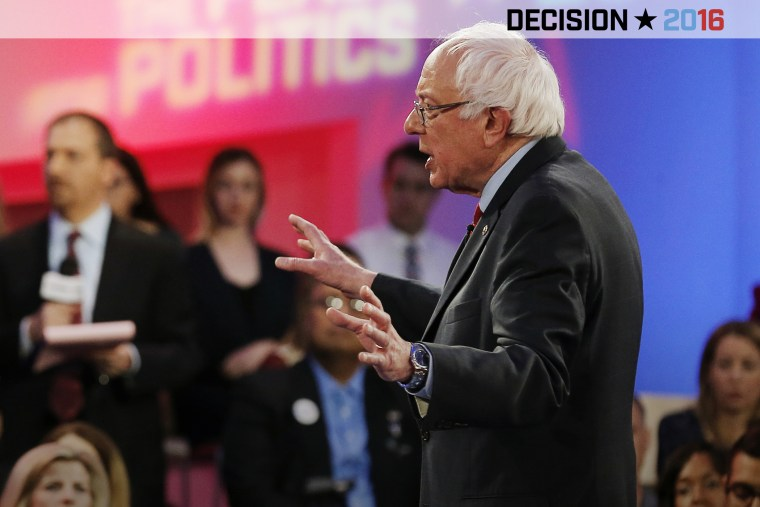 Democratic presidential candidate Bernie Sanders answers questions during a campaign town hall hosted by MSNBC and Telemundo in Las Vegas, Nev., Feb. 18, 2016. (Photo by Jim Young/Reuters)