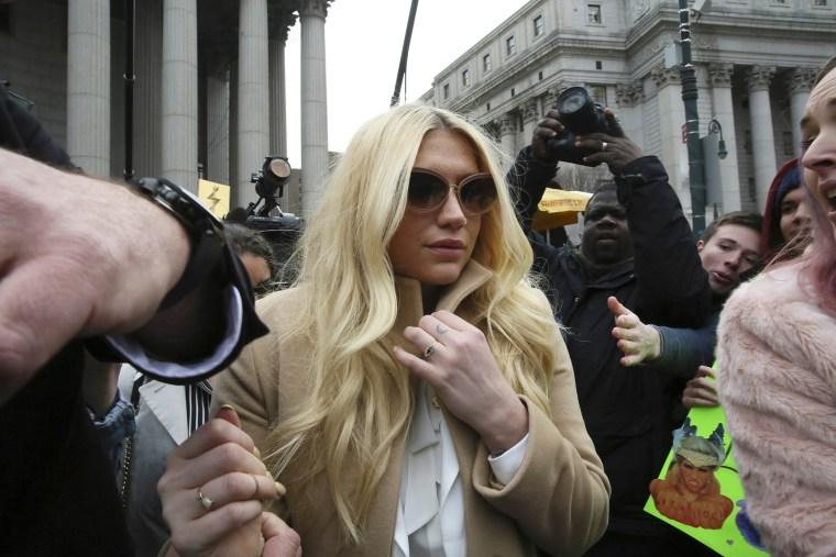 Pop star Kesha leaves Supreme court in New York, N.Y., on Feb. 19, 2016. (Photo by Mary Altaffer/AP)
