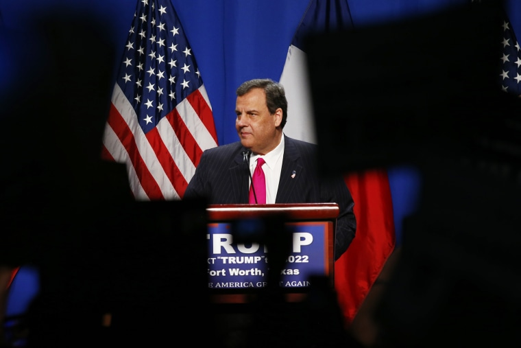 Former Republican presidential candidate Chris Christie endorses his former rival Donald Trump at his campaign rally in Fort Worth, Texas, Feb. 26, 2016. (Photo by Mike Stone/Reuters)