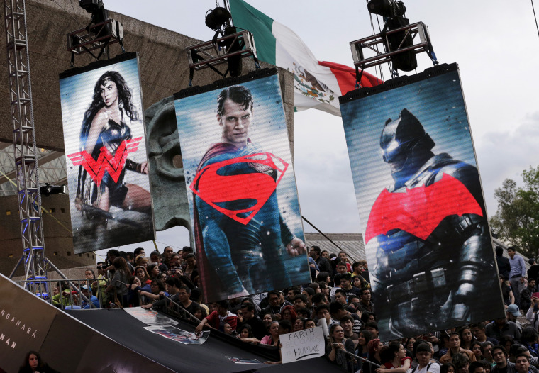 "Fans wait for the arrival of cast members of the movie ""Batman v Superman: Dawn Of Justice"" in Mexico City, Mexico, March 19, 2016. (Photo by Henry Romero/Reuters)"