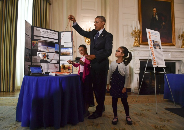 WASHINGTON, DC - APRIL 13: Sisters Kimberly, 9, right, and Rebe (Photo by Ricky Carioti/ The Washington Post/Getty)