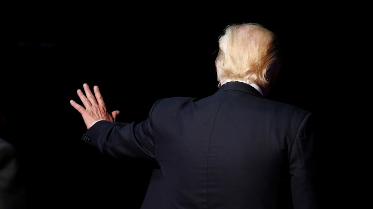 Republican presidential nominee Donald Trump waves following a campaign rally in Toledo, Ohio, July 27, 2016. (Photo by Carlo Allegri/Reuters)