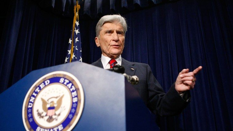 Sen. John Warner speaks during a news conference on Capitol Hill on Aug. 23, 2007 in Washington, D.C. (Photo by Alex Wong/Getty)